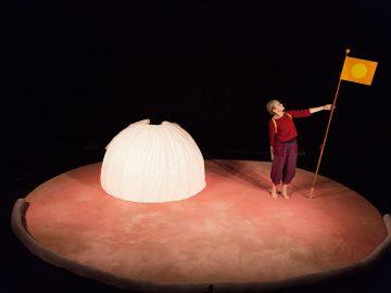 Föreställningen Bo, Teater Tre